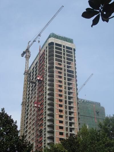 万邦时代广场FO23德赢APP和施工电梯安装
